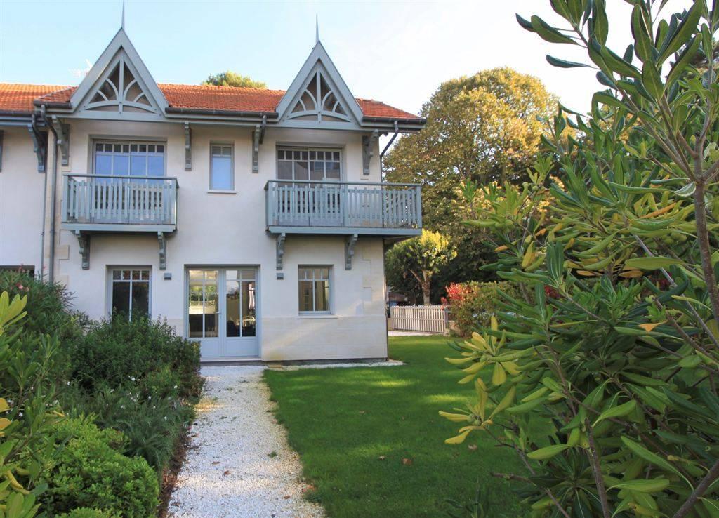 Arcachon - Pereire - Villa arcachonnaise récente à vendre avec un bel aperçu bassin et à 50 m de la plage
