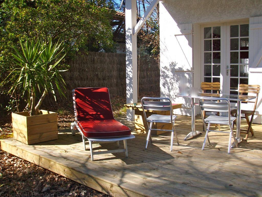Villa rénovée à vendre à Petit Piquey dans un quartier résidentiel