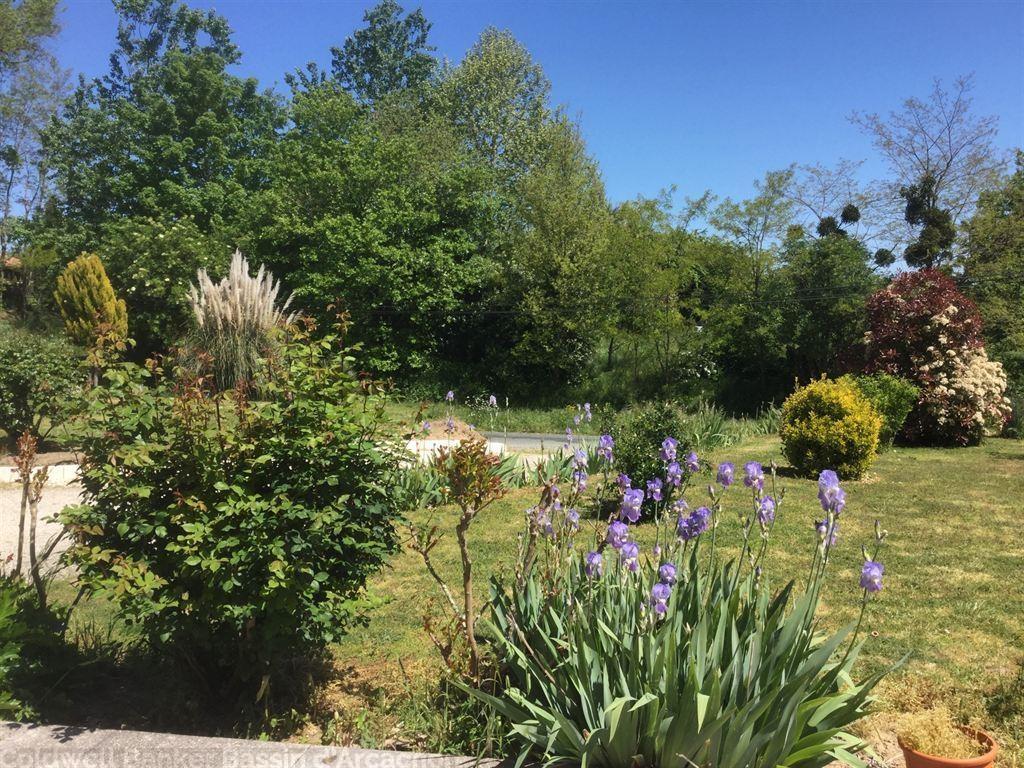 vente villa contemporaine avec grand jardin proche bordeaux