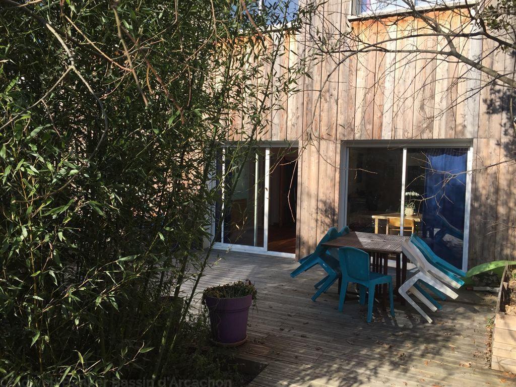 Villa d'architecte en bardage bois récente à vendre à Bordeaux Begles - 5 chambres