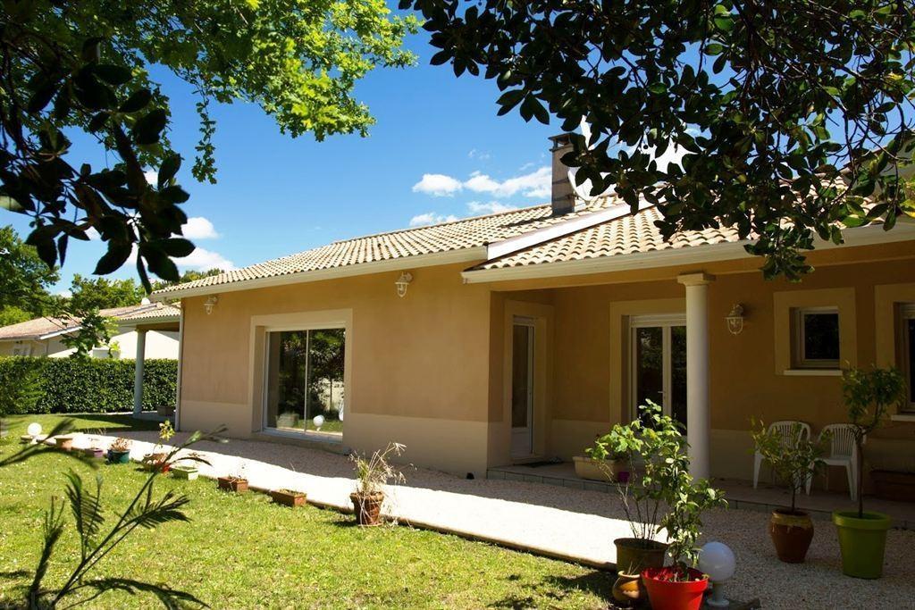 Villa récente de plain-pied à vendre à Gujan Mestras sur un grand terrain au calme