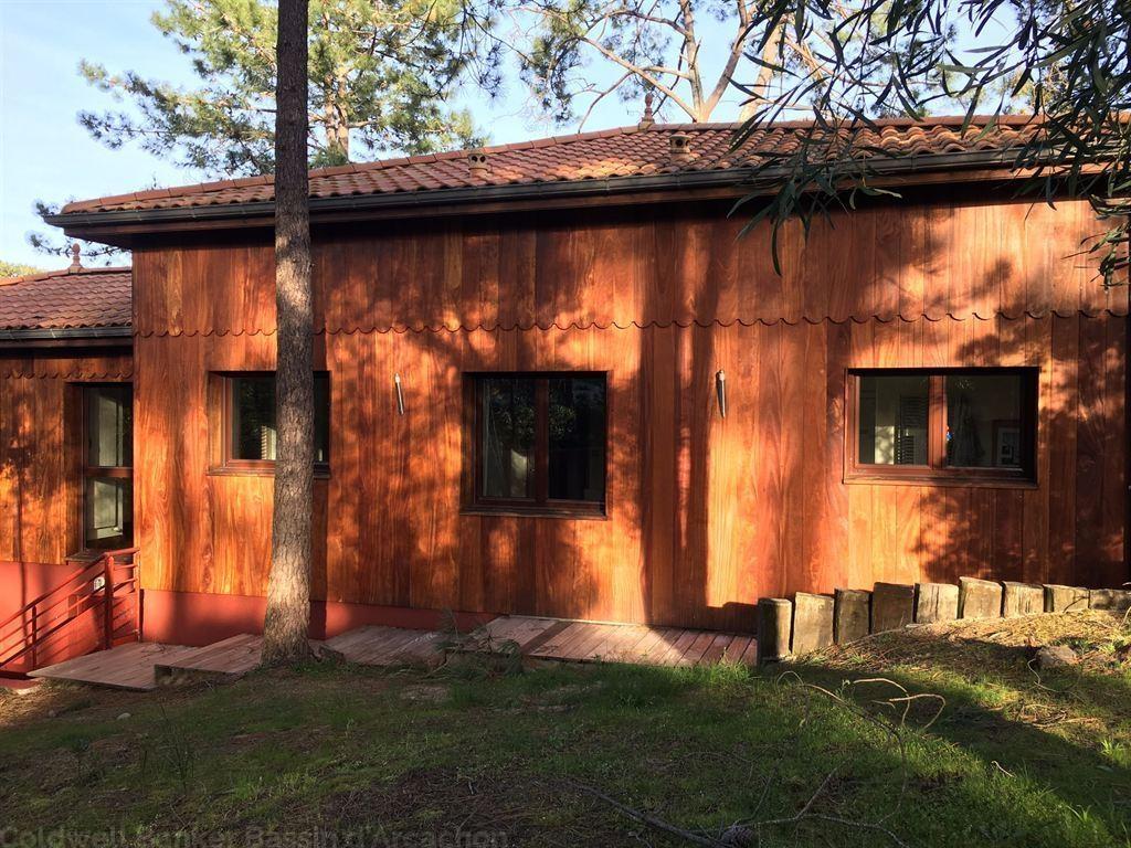 a vendre belle villa en bois  5 chambres  Cap Ferret