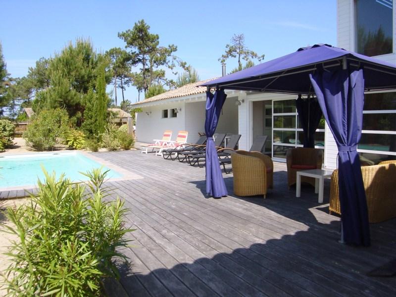 Villa familiale avec piscine proche Cap-Ferret
