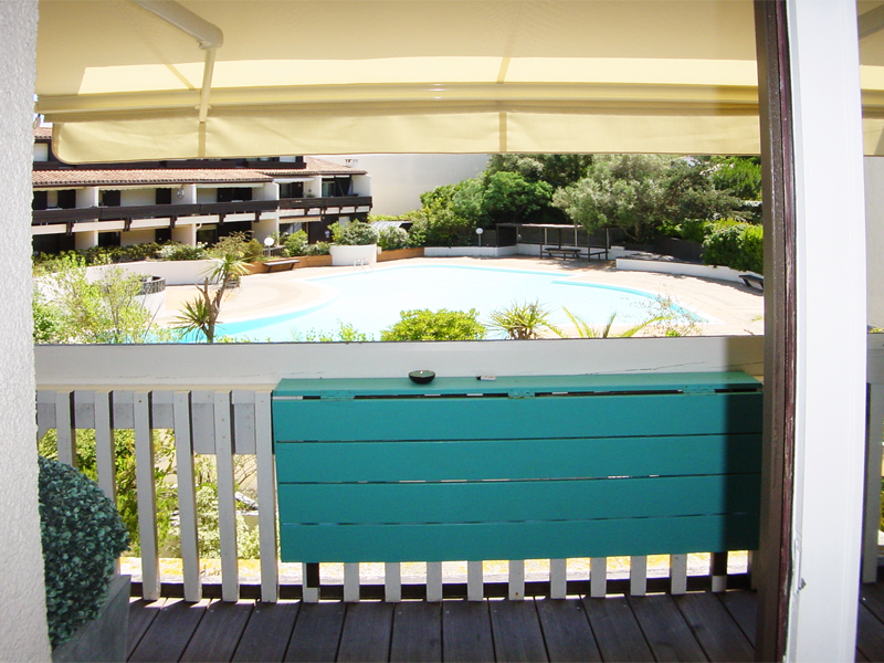 louer appartement 2 chambres 4 personnes grand balcon vue sur piscine de la r sidence cap. Black Bedroom Furniture Sets. Home Design Ideas