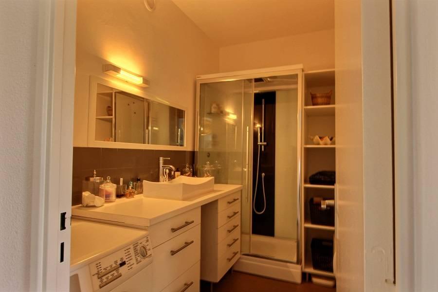 Location appartement 2 chambres - 4 personnes - entièrement rénové dans résidence avec piscine CAP-FERRET CENTRE