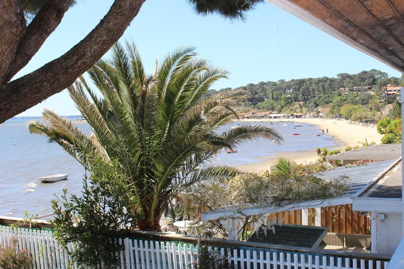 Villa à louer les pieds dans l'eau sur presqu'île du Cap-Ferret