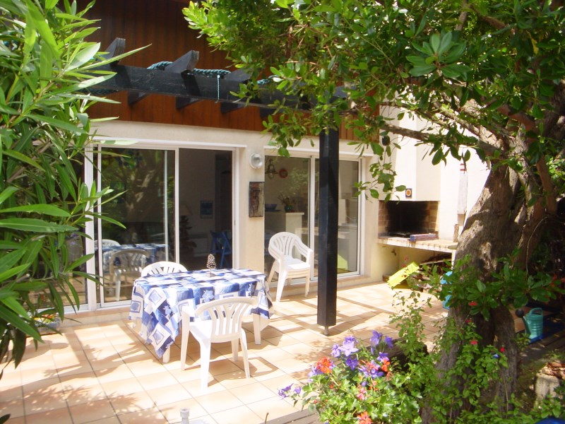 Location villa 2 chambres - 5 personnes - avec jardinet proche commerces et plages CAP-FERRET CENTRE