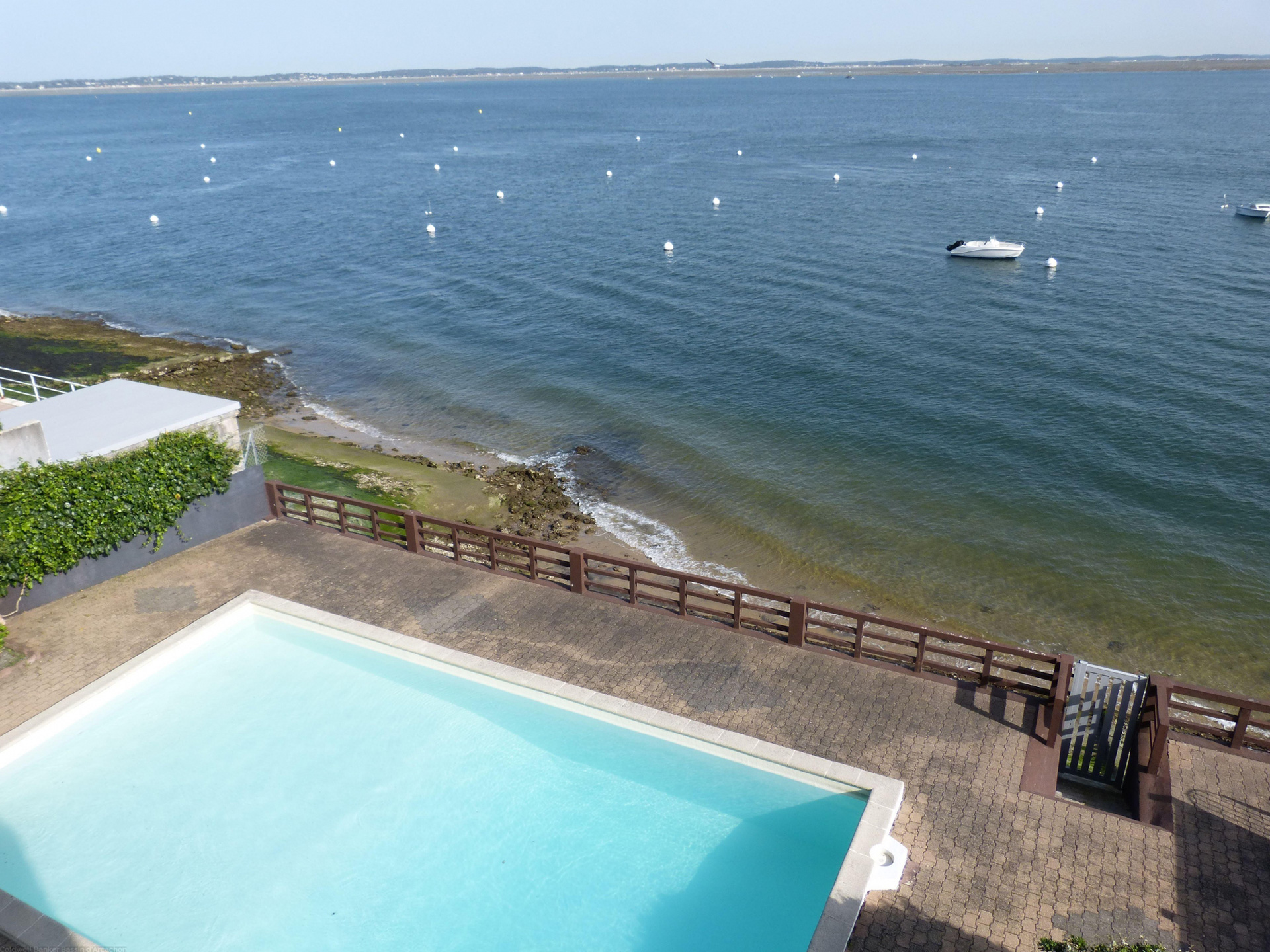 Location appartement arcachon centre ville 2 chambres 4 for Piscine arcachon