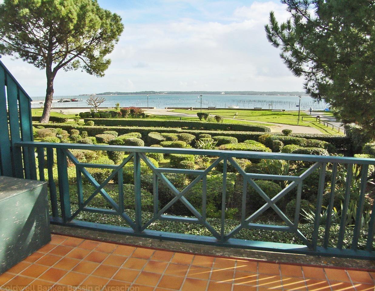 Location saisonnière appartement 3 chambres vue bassin cap-ferret