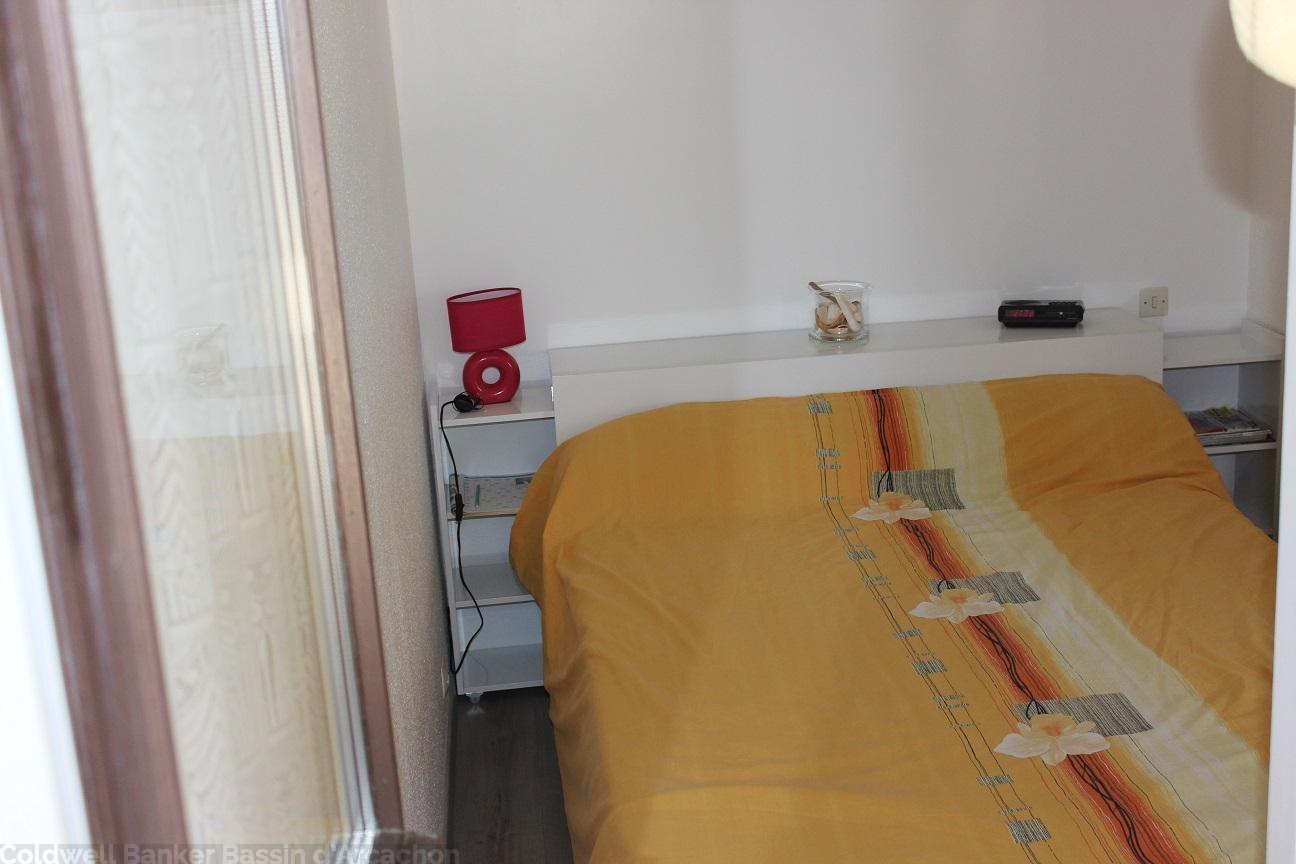 Location appartement 1 chambre - 3 personnes - refait à neuf dans résidence avec piscine CAP-FERRET CENTRE