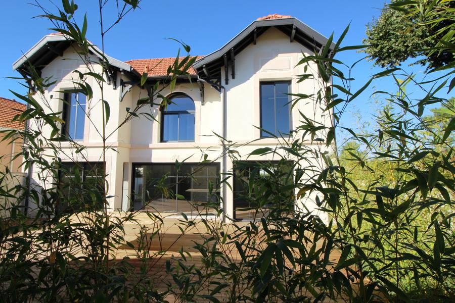 Vente villa arcachonnaise neuve de standing la teste de for Villa neuve