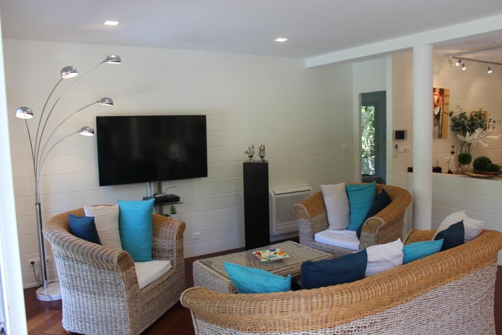 Villa 4 chambres 8 personnes vue bassin et jacuzzi for Site location chambre