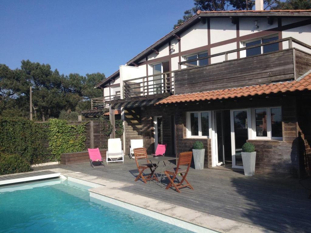 location corniche villa piscine vue bassin
