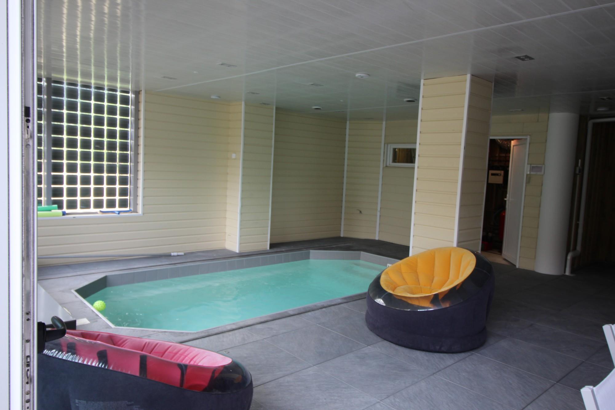 villa arcachon location piscine chauffée intérieure centre ville louer 6 personnes