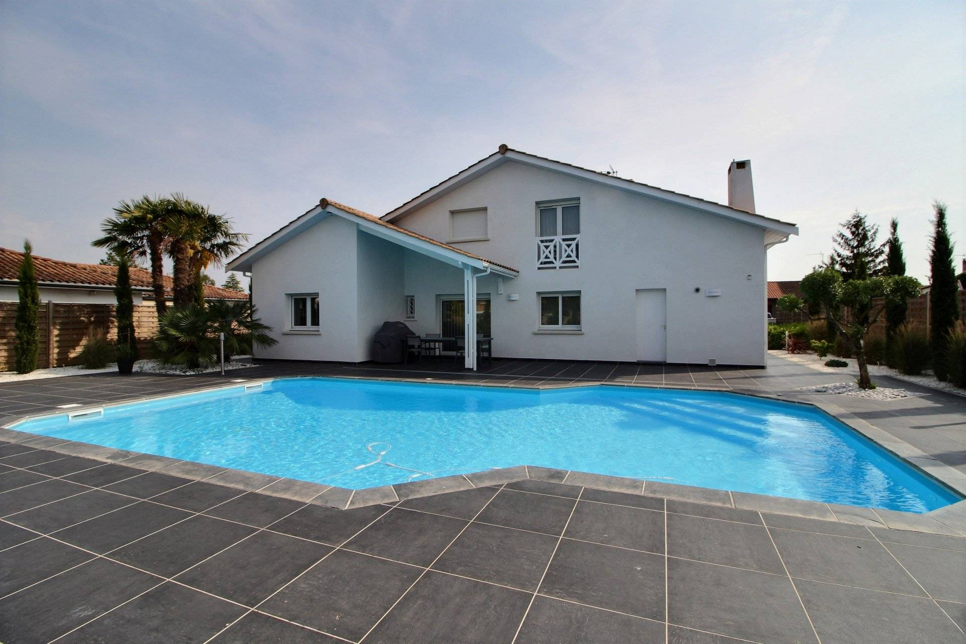Maison a vendre proche bordeaux LE HAILLAN