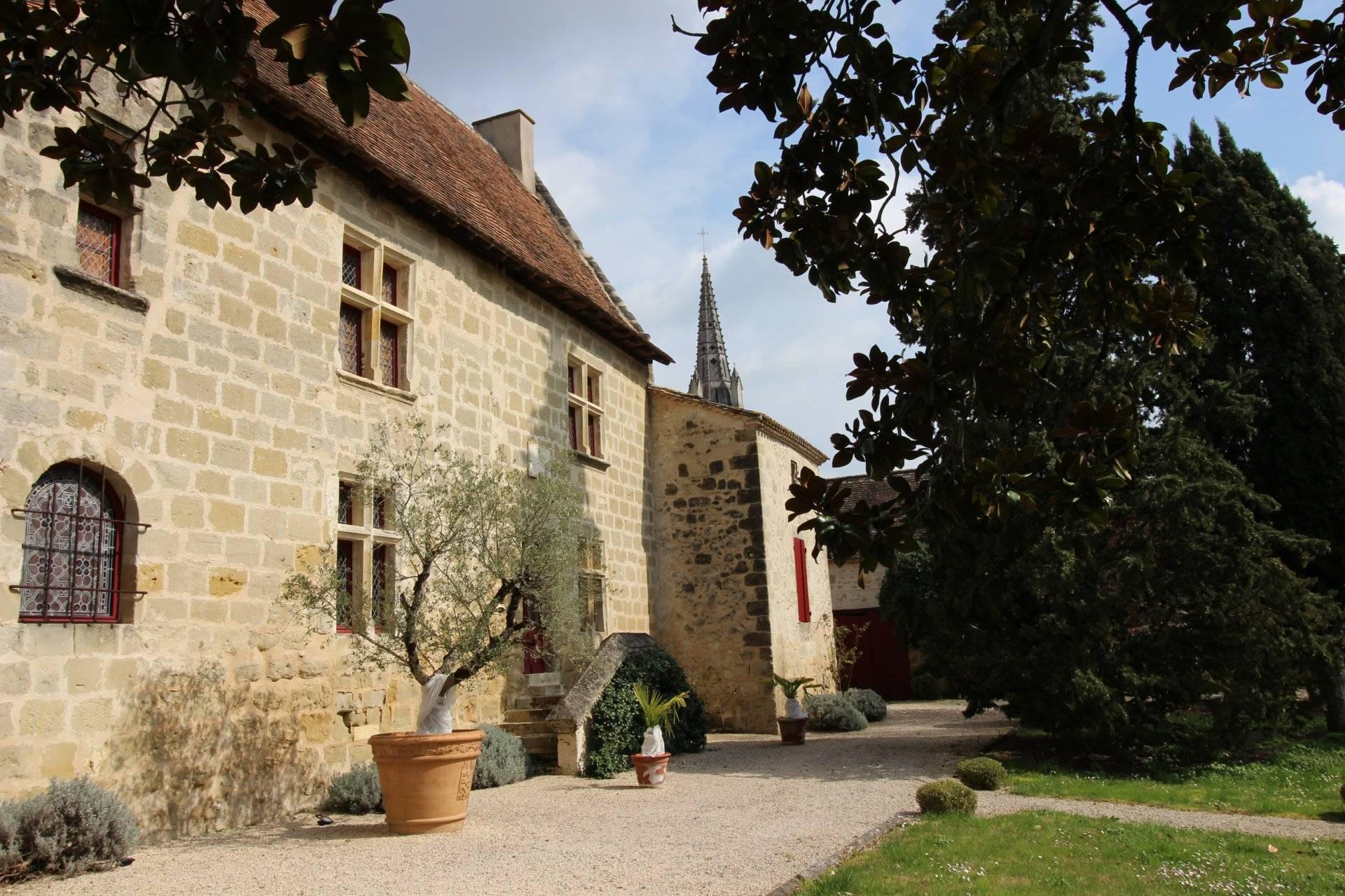 Vente manoir XIIIe siècle proche marmande LOT-ET-GARONNE