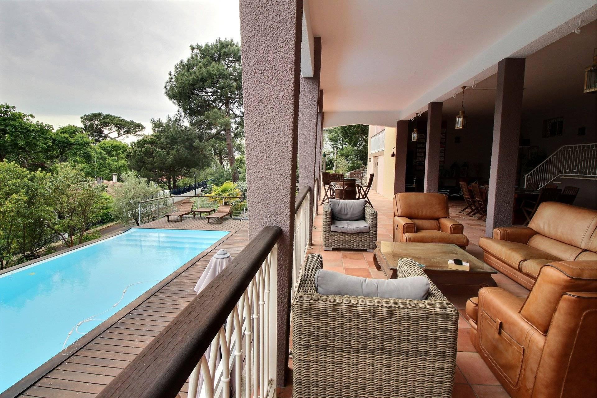 Vente villa de prestige avec vue panoramique quartier Pereire ARCACHON