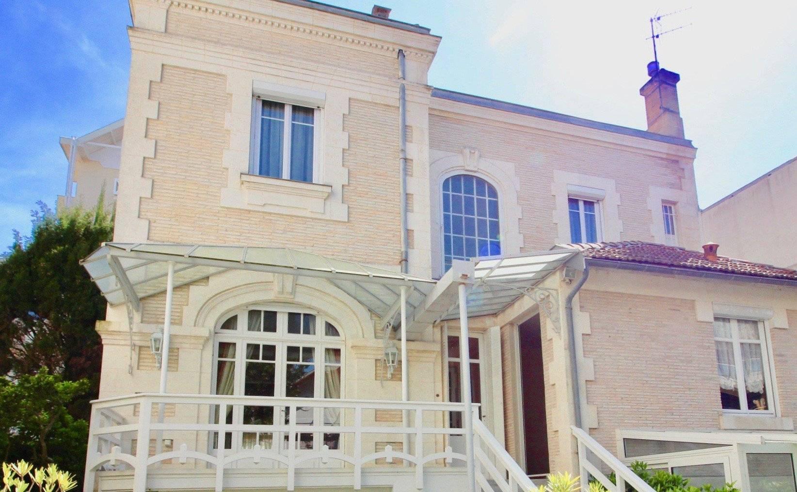 Maison arcachonnaise rénovée avec accès plage à vendre ARCACHON