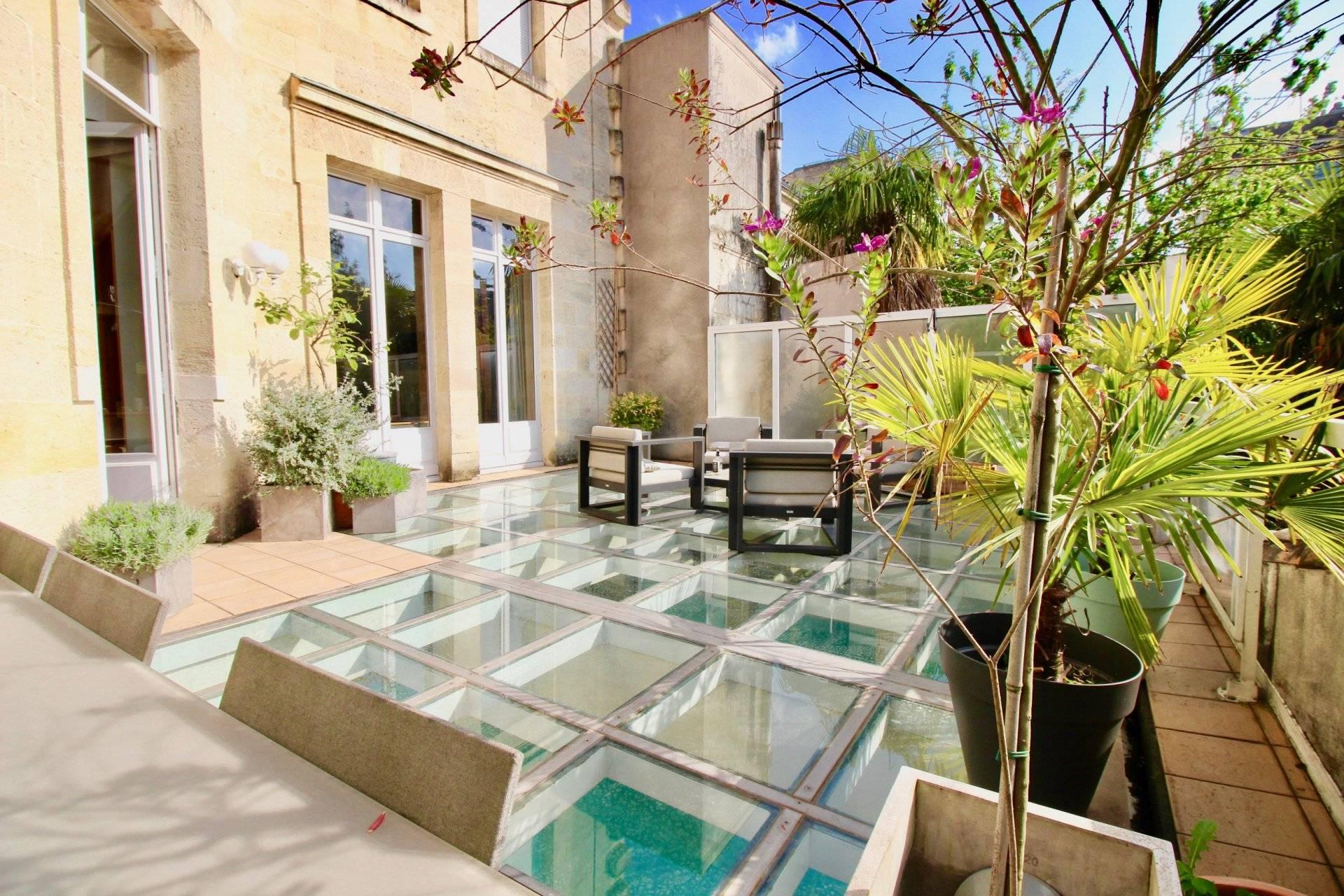 Superbe hôtel particulier avec piscine à vendre BORDEAUX JARDIN ...