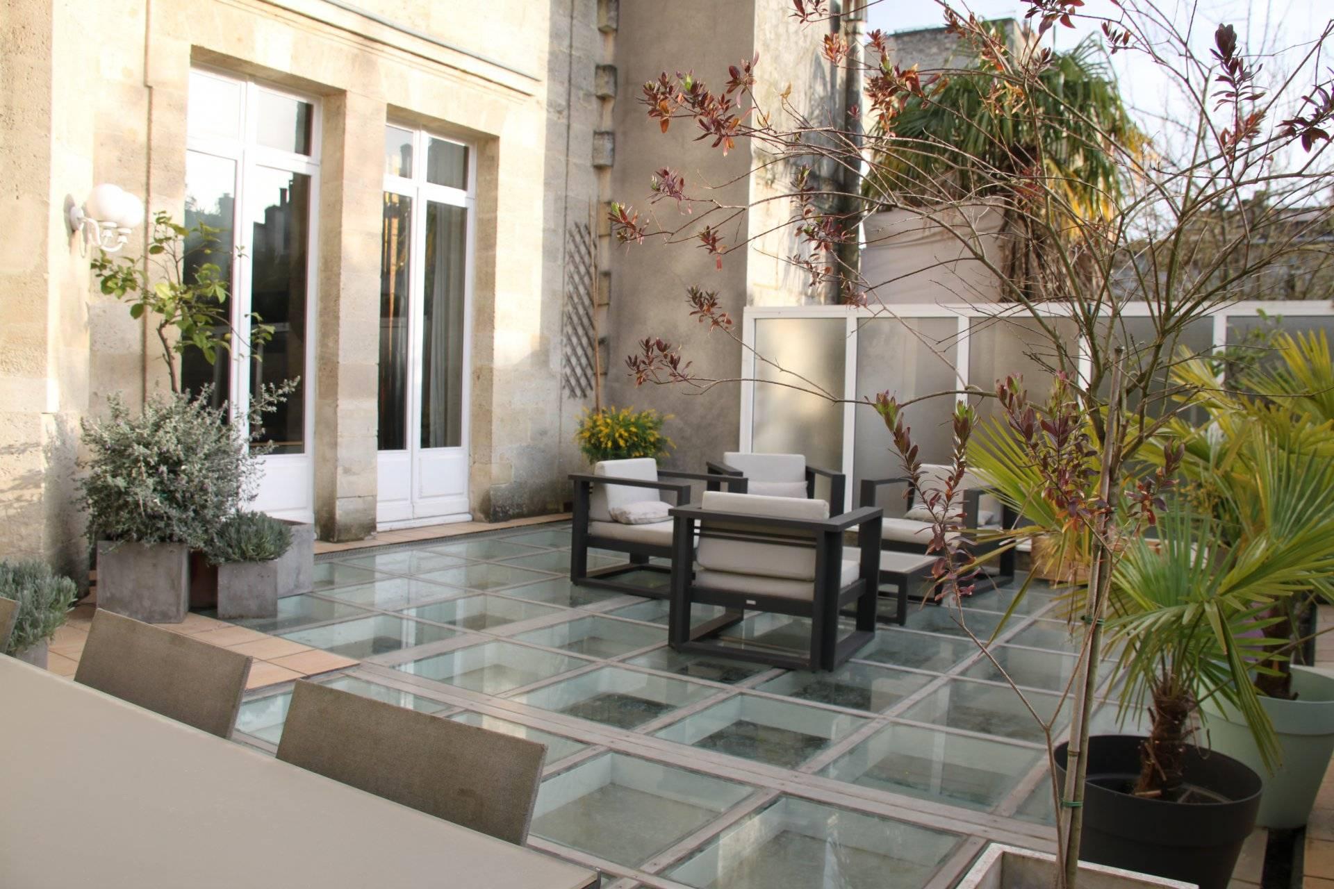 Bel Hôtel Particulier plus de 500 m2 à vendre BORDEAUX JARDIN PUBLIC