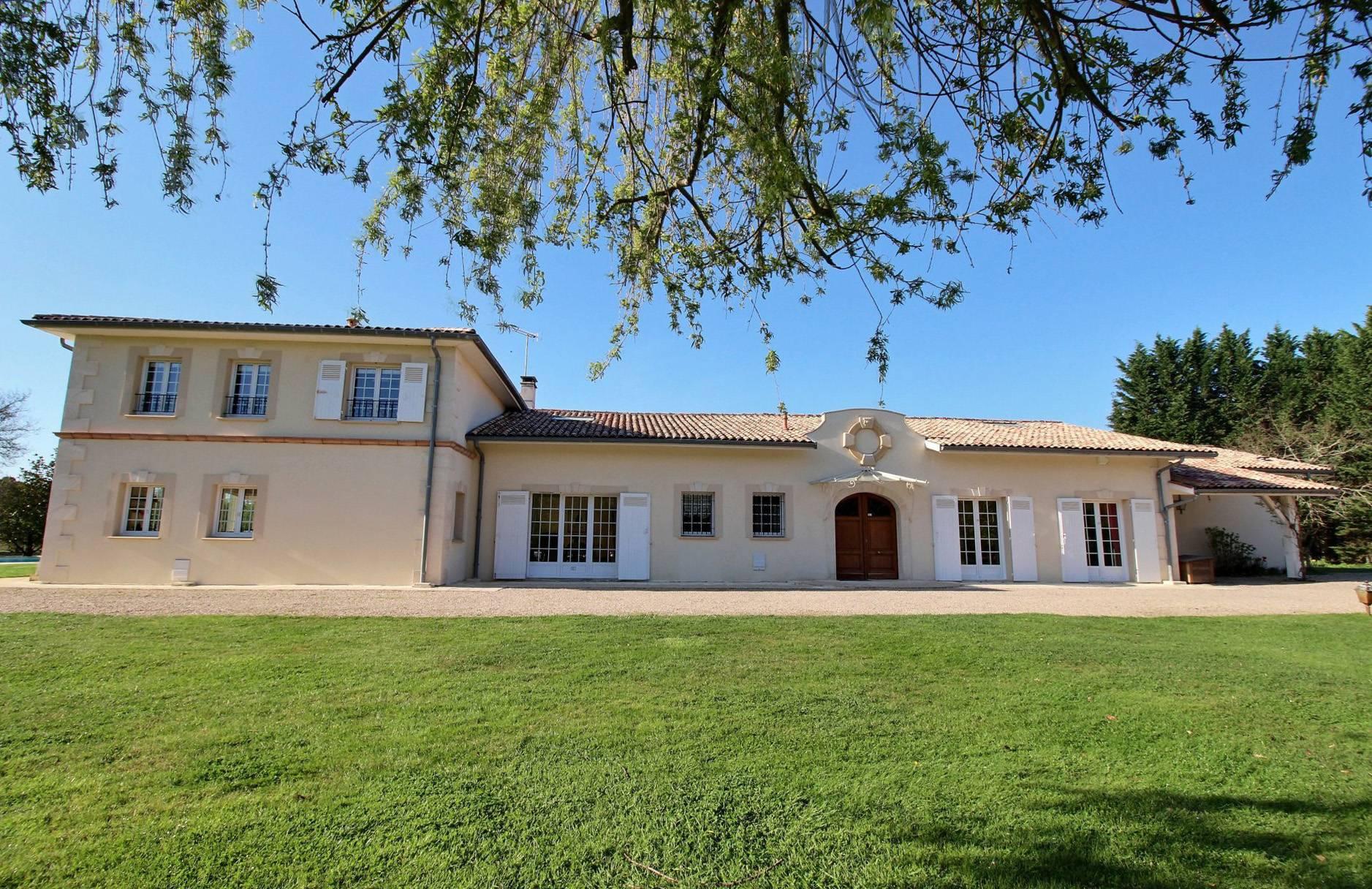 Recherche propriété de charme proche Bordeaux CESTAS