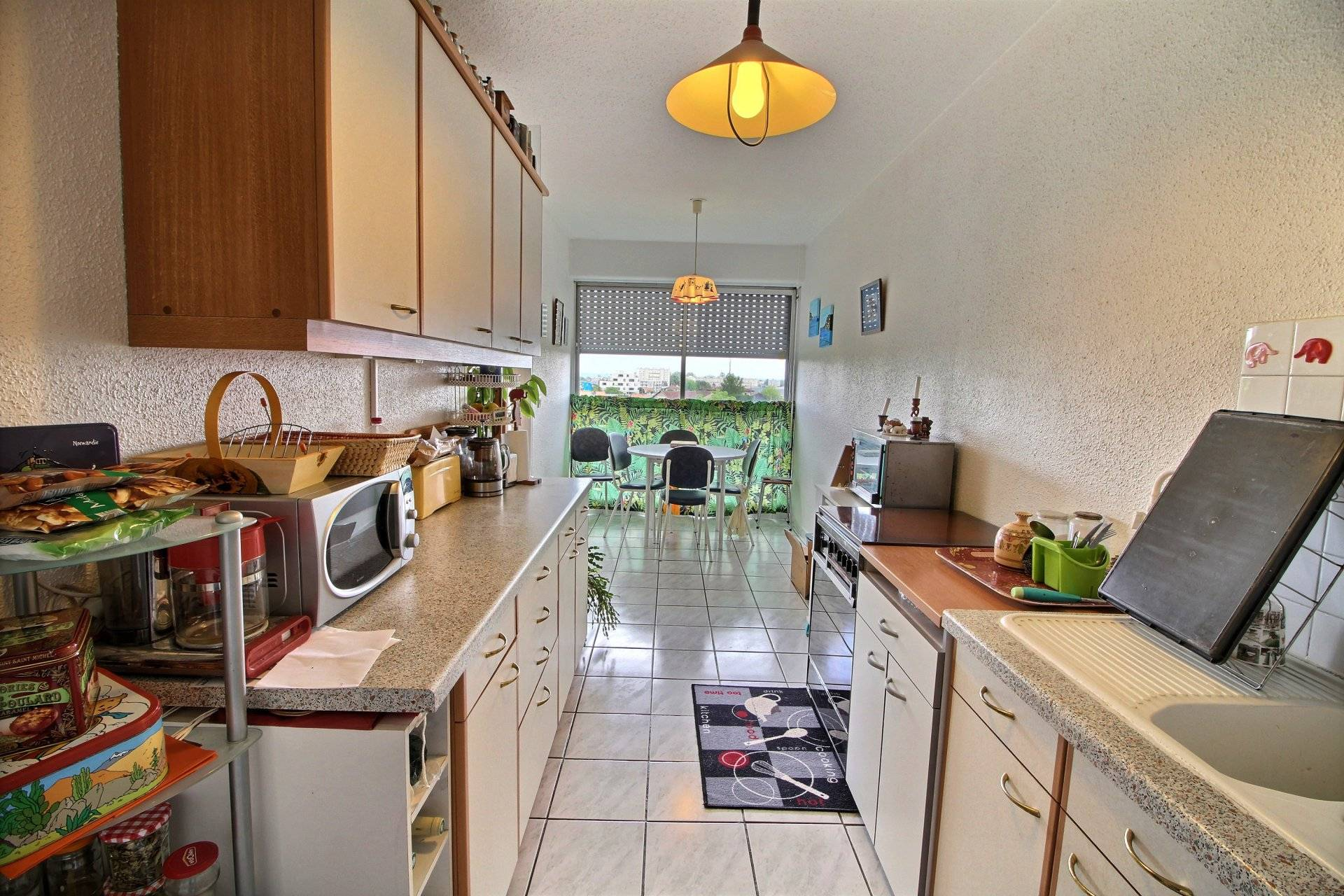 achat appartement proche bordeaux merignac limite cauderan coldwell banker. Black Bedroom Furniture Sets. Home Design Ideas