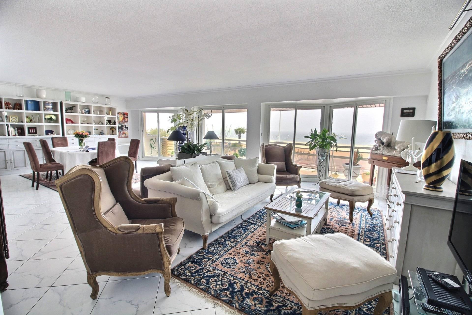 Achat spacieux appartement vue mer ARCACHON