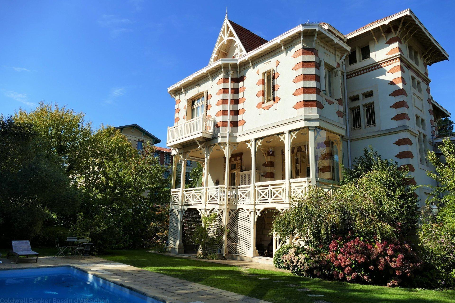 villa arcachonnaise exceptionnelle de standing a vendre ville d'hiver arcachon