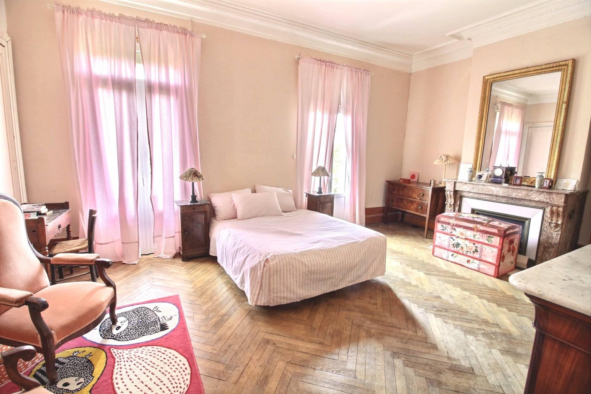 Grande villa 9 pièces à vendre proche plage et centre ARCACHON