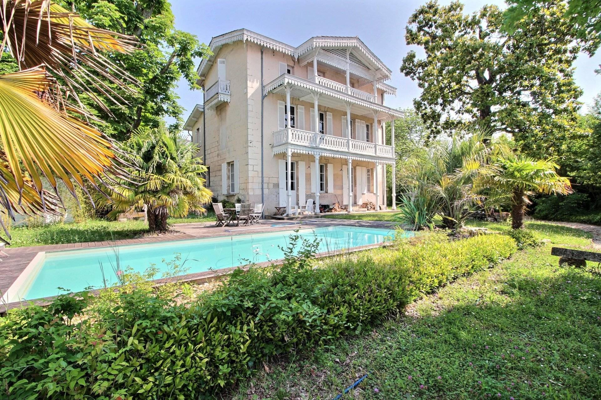 Elégante maison a vendre BORDEAUX CAUDERAN