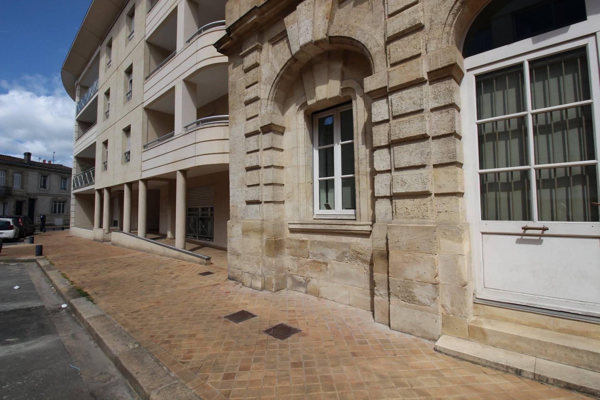 Bel appartement terrasse BORDEAUX Gambetta