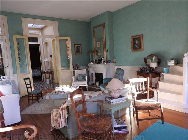 Belle maison en pierre avec 4 chambres à vendre à Bordeaux aux Chartrons