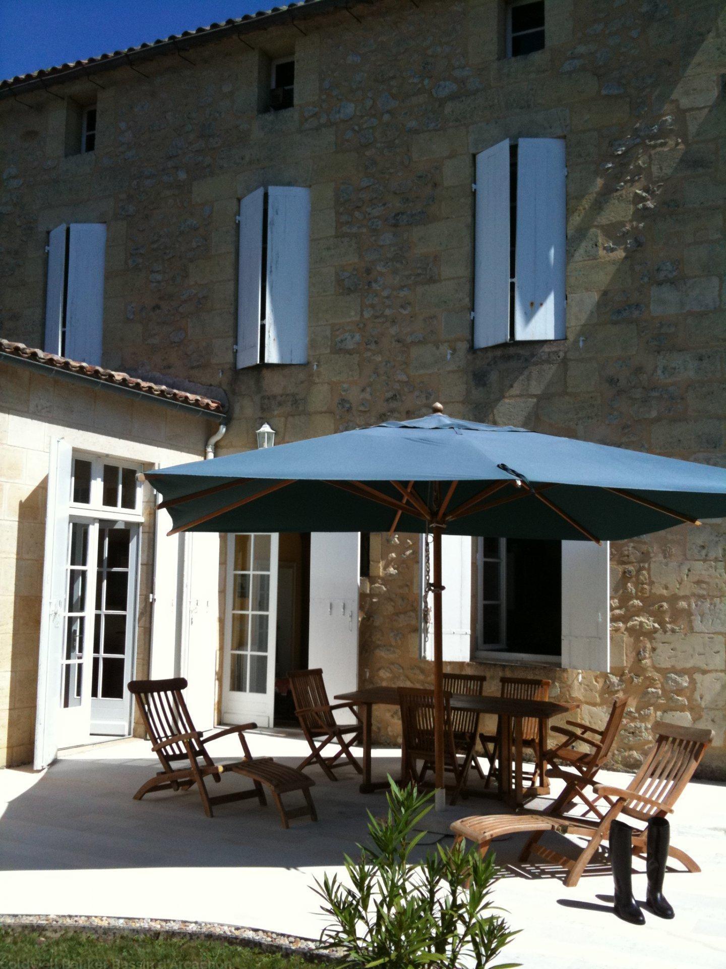 Maison de ville en pierre à vendre à Rauzan proche Bordeaux et Saint Emilion