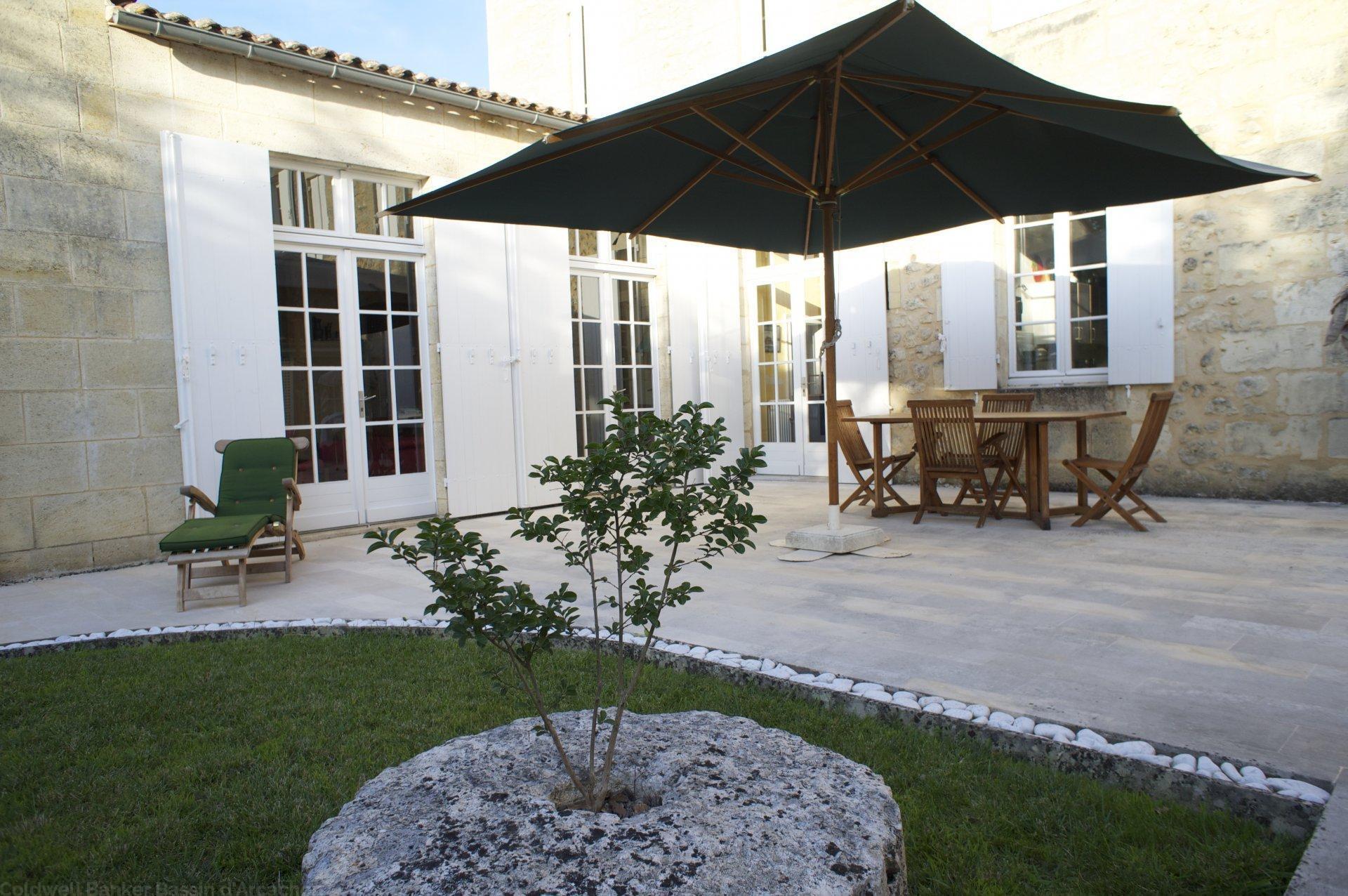 Vente maison villa proche bordeaux rauzan 33420 for Bordeaux une chambre en ville