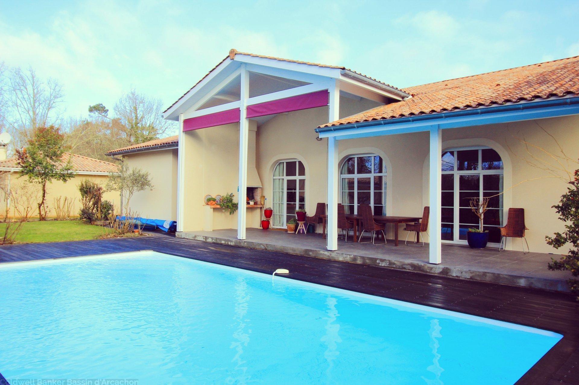 maison familiale 4 chambres avec piscine chauffée et grand terrain a vendre 20 minutes de Bordeaux saint aubin de medoc