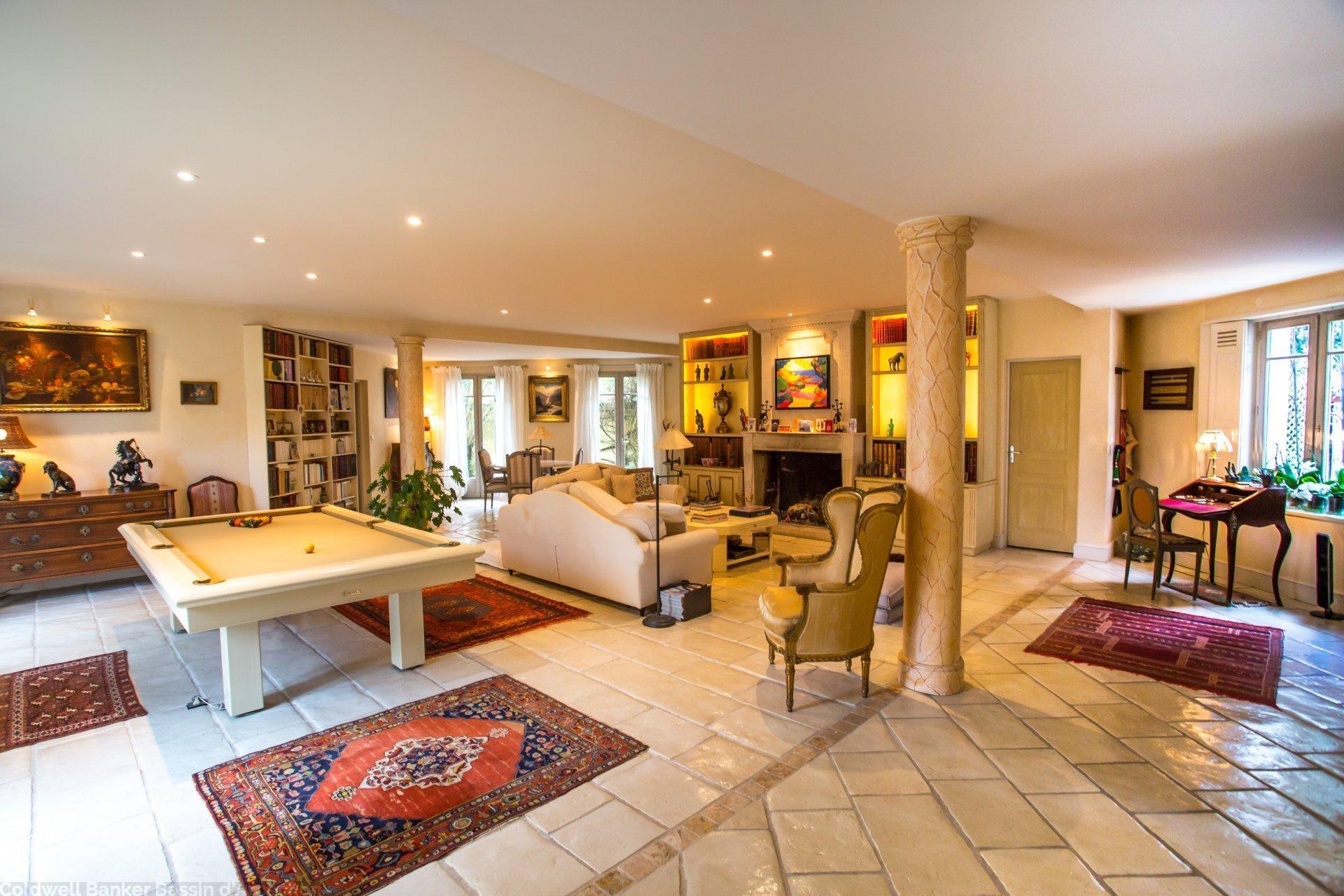 Vente belle villa chaleureuse au calme avec piscine bordeaux cauderan coldwell banker - Belles maisons bordeaux ...