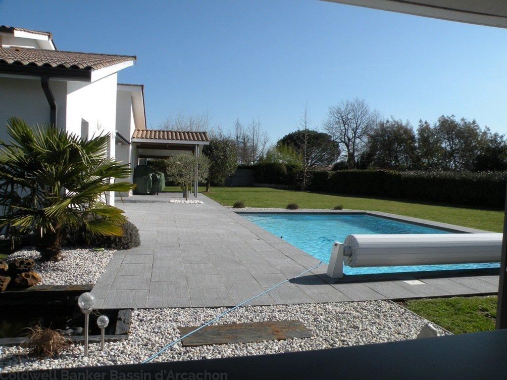 acheter une villa contemporaine proche de Bordeaux au Barp avec piscine chauffée et 4 chambres sur un grand terrain au calme