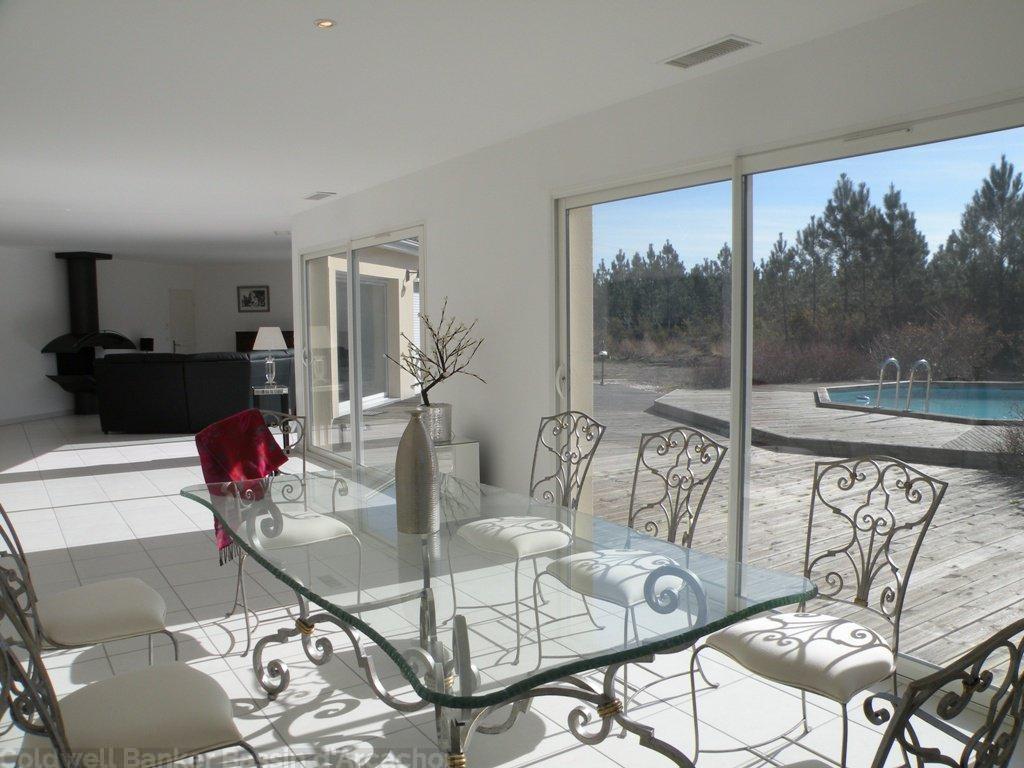 Villa contemporaine à vendre proche Bordeaux avec piscine