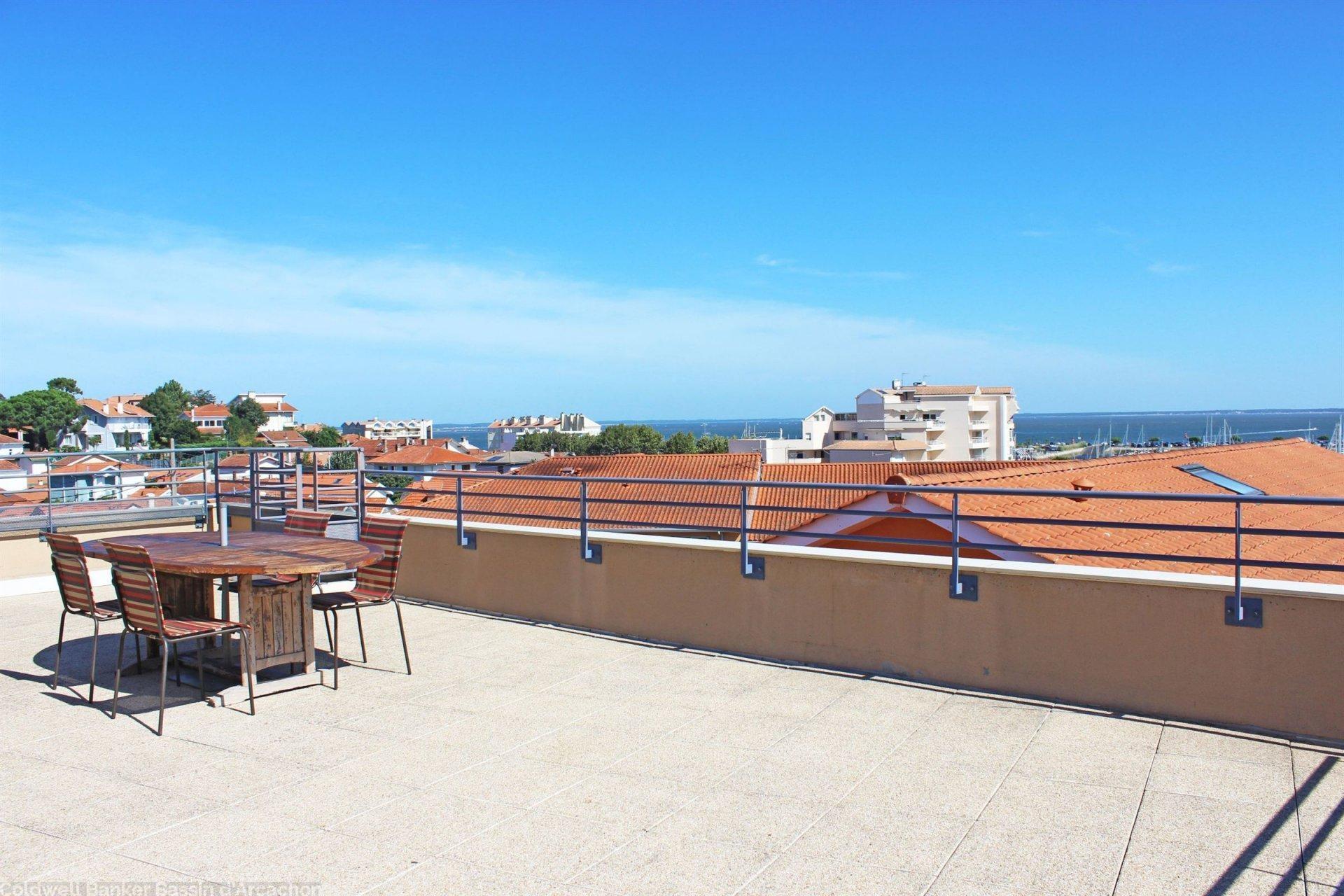 Appartement avec terrasse avec vue bassin a vendre proche centre arcachon