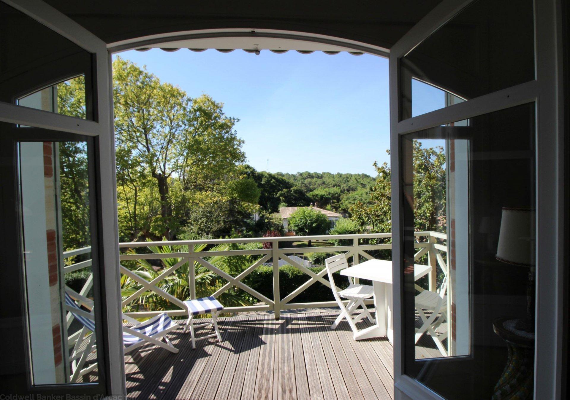 Grande Villa Arcachonnaise à vendre sur ville d'Hiver Arcachon