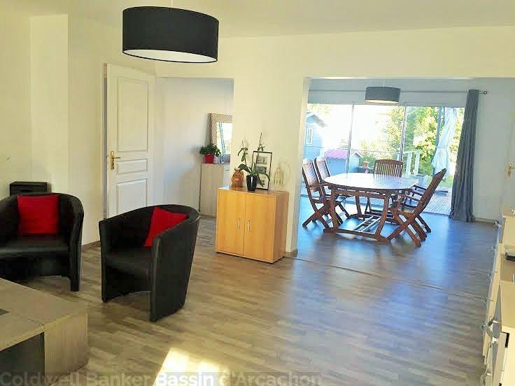 A vendre maison idéale investissement ou grande famille 2 logements possibles sur le bassin d'arcachon