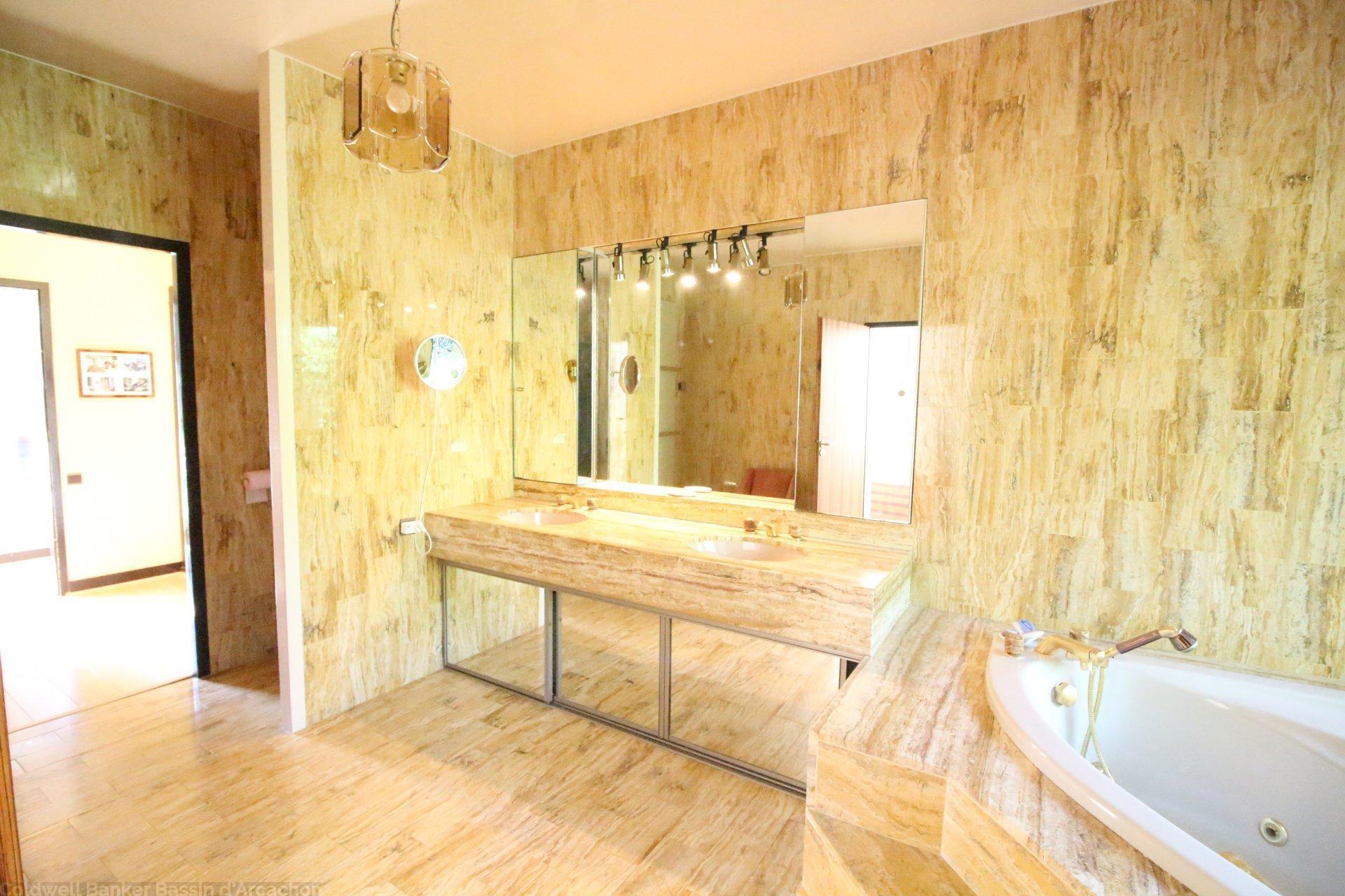 salle de bains maison arcachon première ligne
