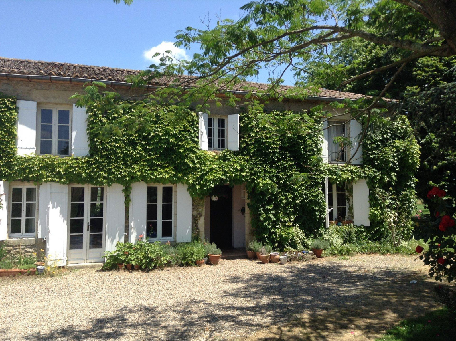 Acheter une villa de luxe avec piscine et grande terrasse for Acheter une villa