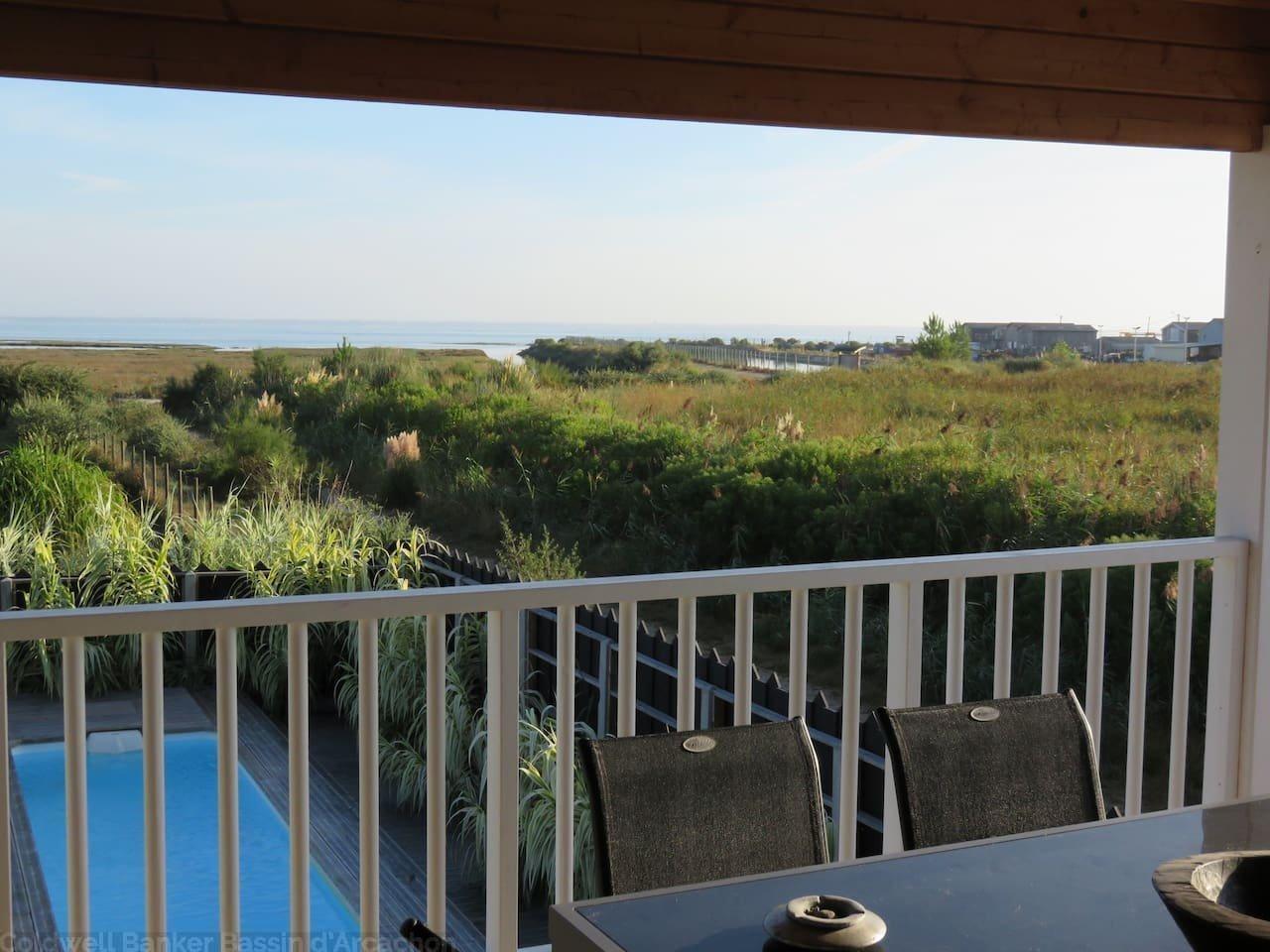 Villa en bois à vendre avec vue Bassin et piscine à Gujan La Hume