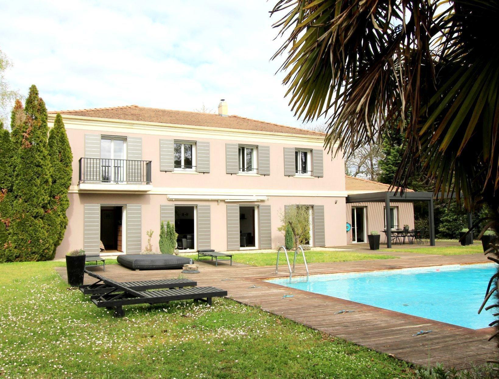 Vente maison villa bordeaux pessac grande propri t sur for Appartement bordeaux avec piscine