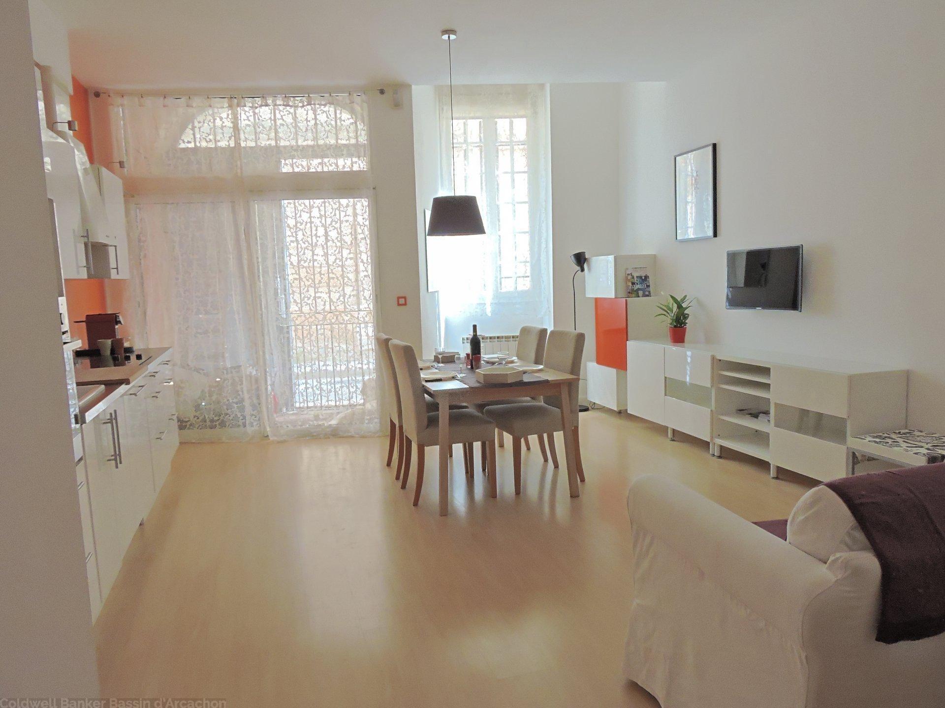 BORDEAUX SAINT MICHEL bel appartement T2 à vendre avec grand souplex