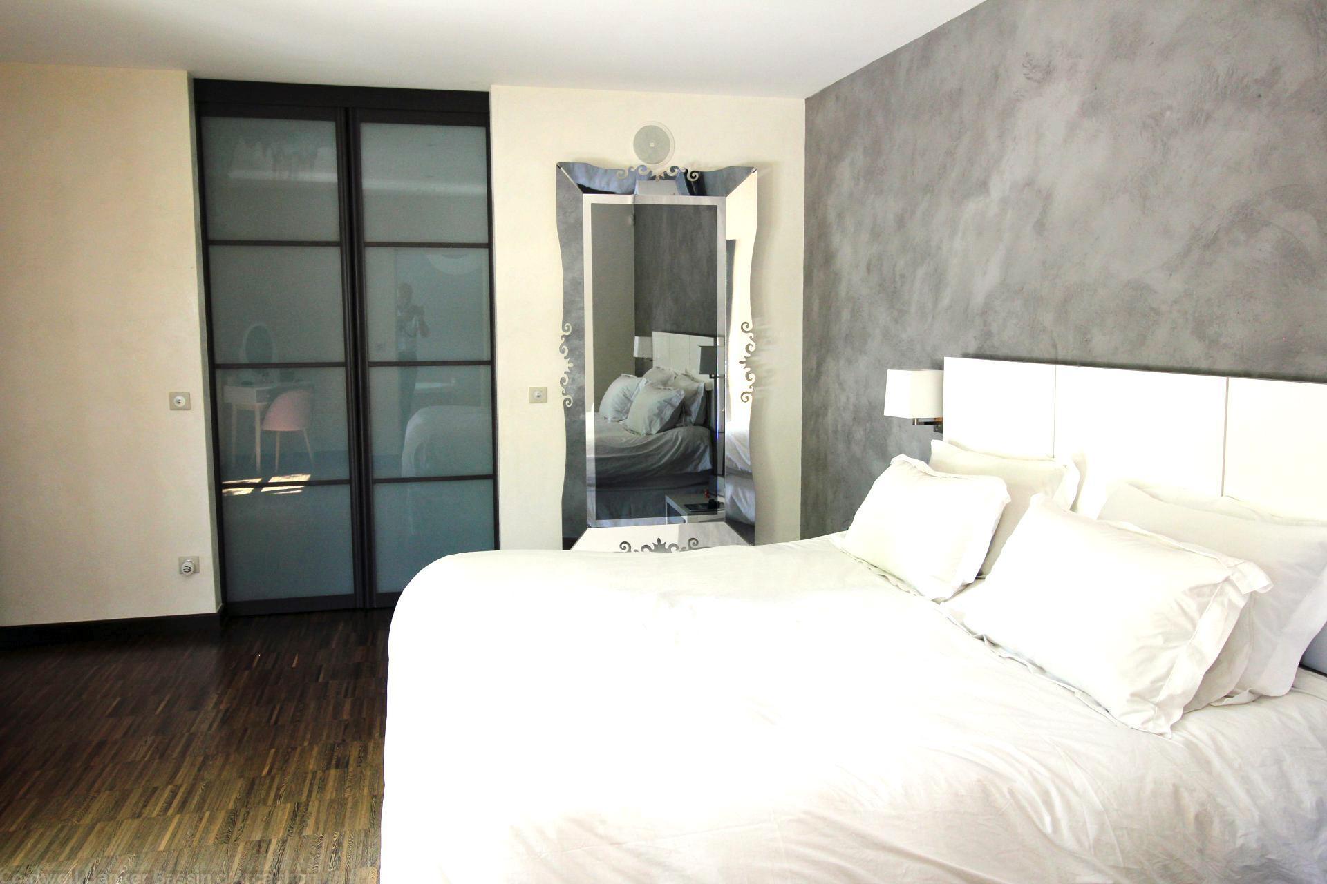Superbe maison en bois avec piscine avec 5 chambres à vendre proche Bordeaux MERIGNAC