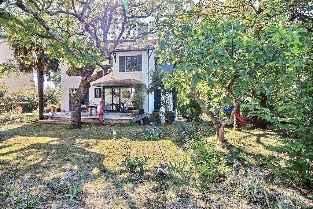 Vente maison villa arcachon ville d 39 hiver de style - Location maison piscine arcachon ...