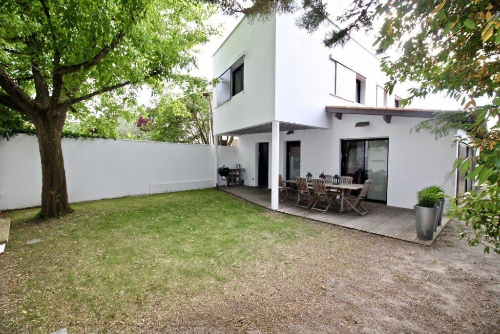Vente maison villa proche bordeaux m rignac centre ville coldwell banker - Maison de ville bordeaux ...