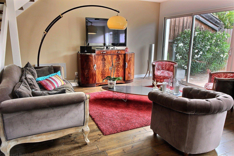 A vendre maison située au centre ville de la teste proche marché de 140m2 3 chambres avec terrasse